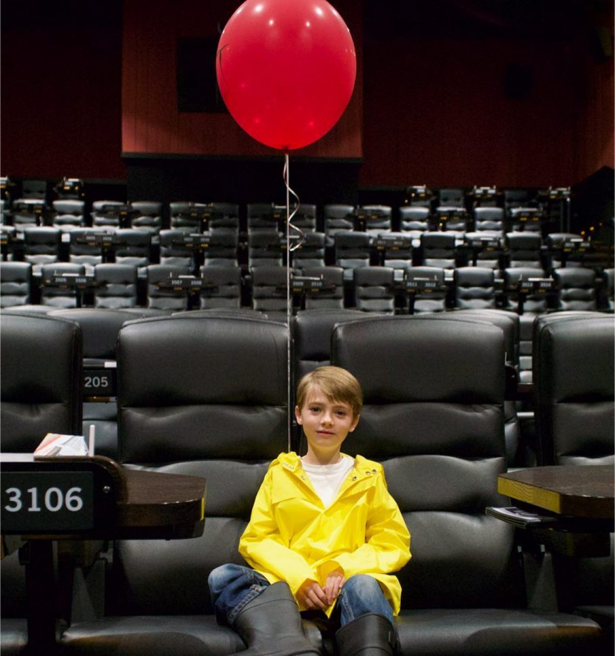 georgie from it went to see it dressed as georgie from it birth
