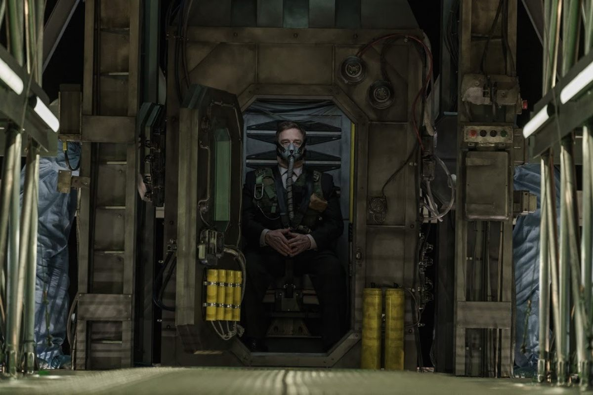Here's Our First Look At John Goodman In CAPTIVE STATE ...